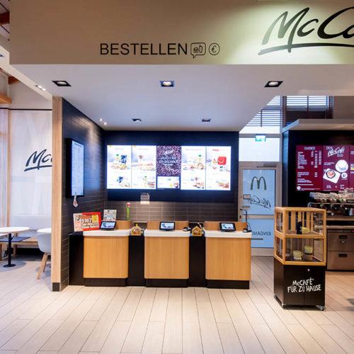 16833 Linum,Linumer BruchNord,BAB 24Store-Nr. 0486 - Eröffnet am 10.11.1993RDZ 2019 - Fotografiert am 14.01.2020Design: Lim Family - McCafe Design: integrated