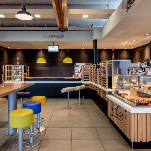 16833 Linum, BAB 24, Linumer Bruch SüdStore-Nr. 0489 - Eröffnet am 10.11.1993RDZ 2018 - Fotografiert am 05.03.2019Design: Lim Moments - McCafe Design: integrated